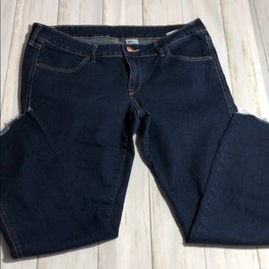Dark Blue stretch Jeans with ripped seam bottom